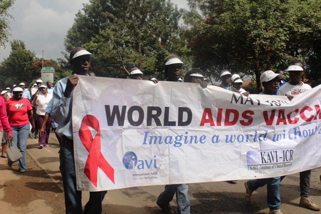 World-AIDS-Vaccine-Day-nursing-002
