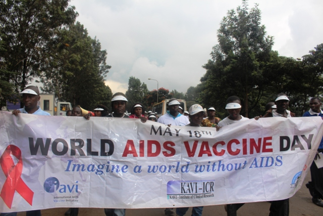 World-AIDS-Vaccine-Day-nursing-018